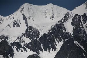 Вечные снега самой высокой горы Алтая - Белухи (4506 м)