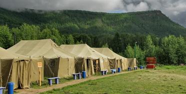 Многоплановая экспедиция по Тыве. Легерь археологов Кызыл-Курагино