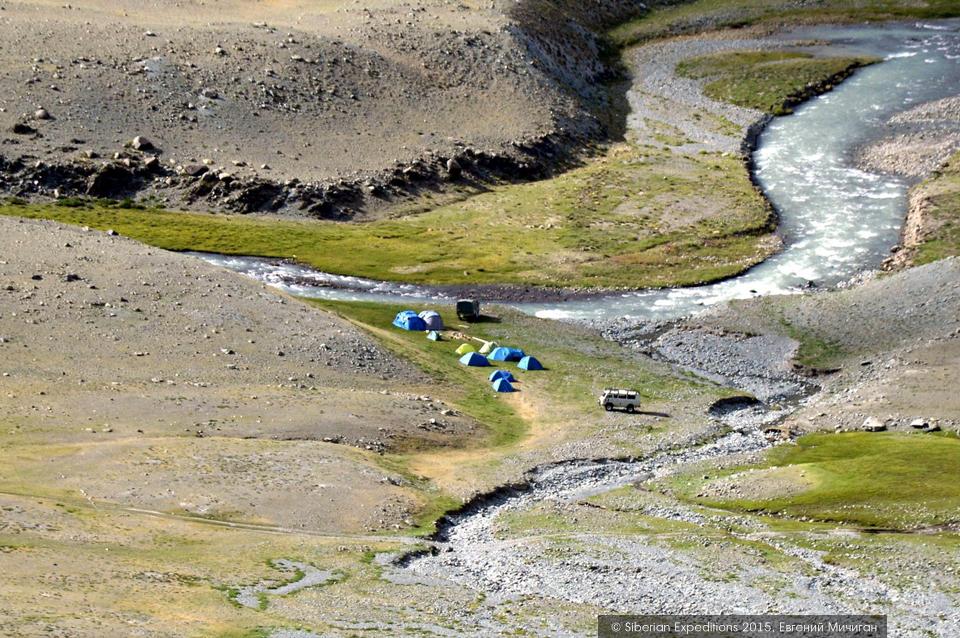 Елангаш, Горный Алтай. Экспедиционный лагерь Siberian Expeditions