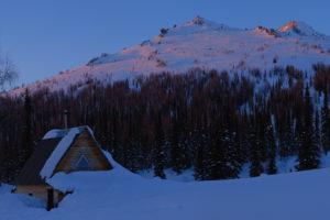 Поход по Сибирской тайге на лыжах, Поднебесные Зубья зима Мазаевский стан