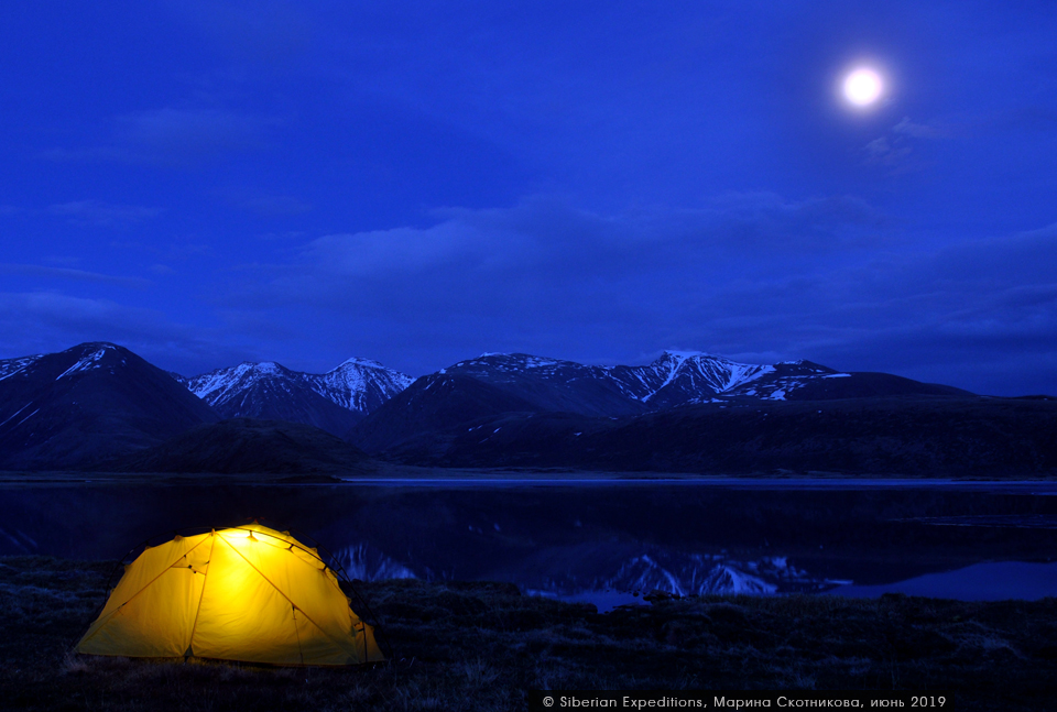 Луна над озером Киндыктыкуль