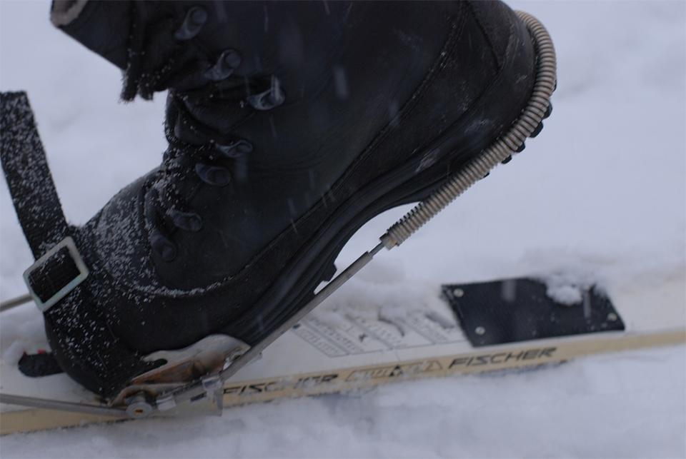 тросиковые крепления на туристические лыжи